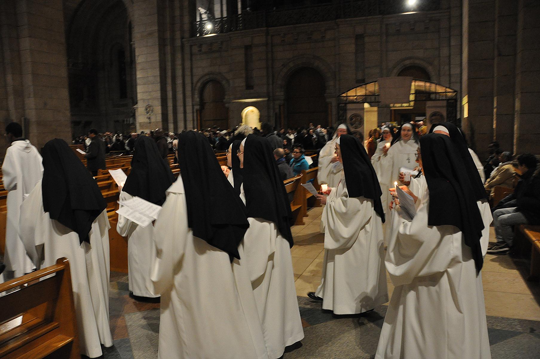 Le passage de la porte de la foi - Les soeurs du marquis ...